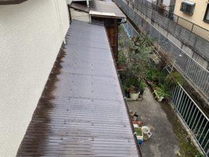 屋根の波板 張り